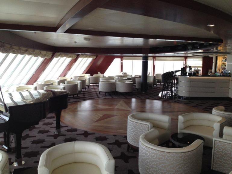 Seven Seas Voyager Observation Lounge