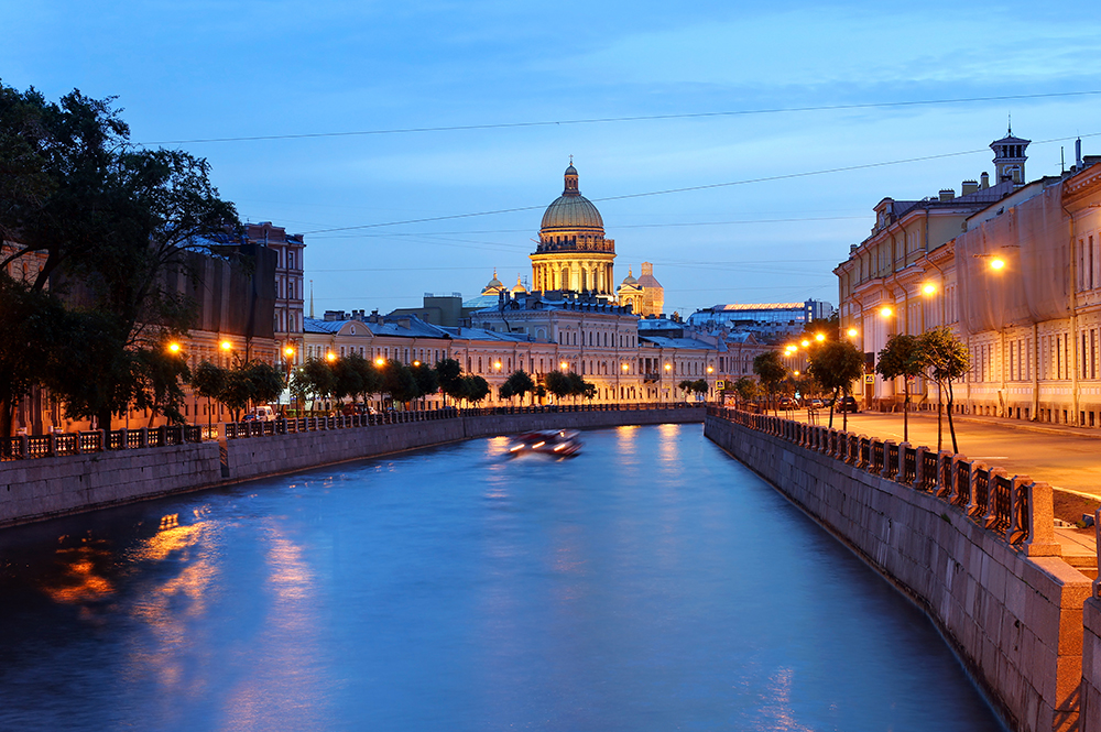 SS-144889927-st-Petersburg-Moyka-canal
